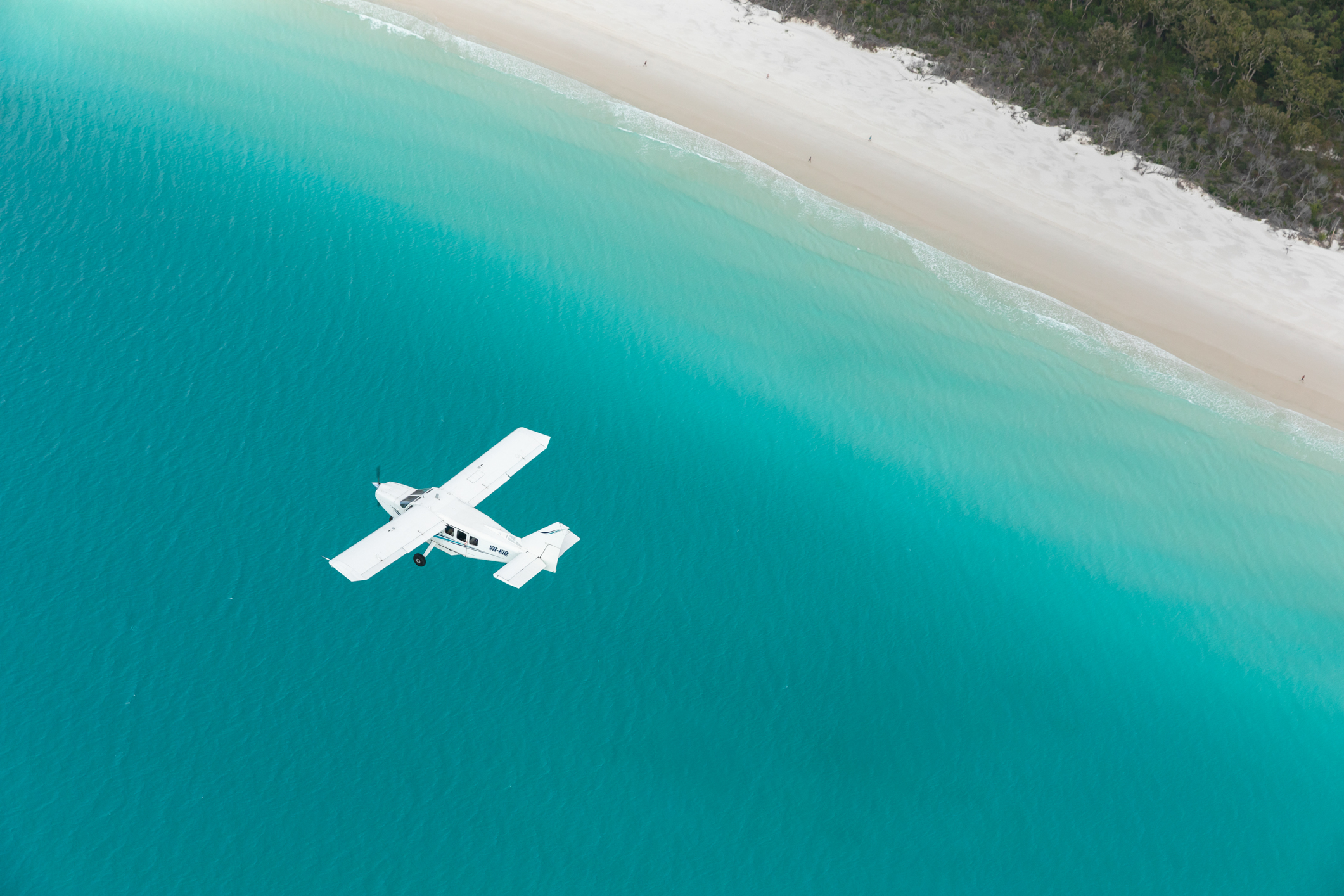 Heart Reef and Whitehaven Beach Express Scenic Flying Over Beach